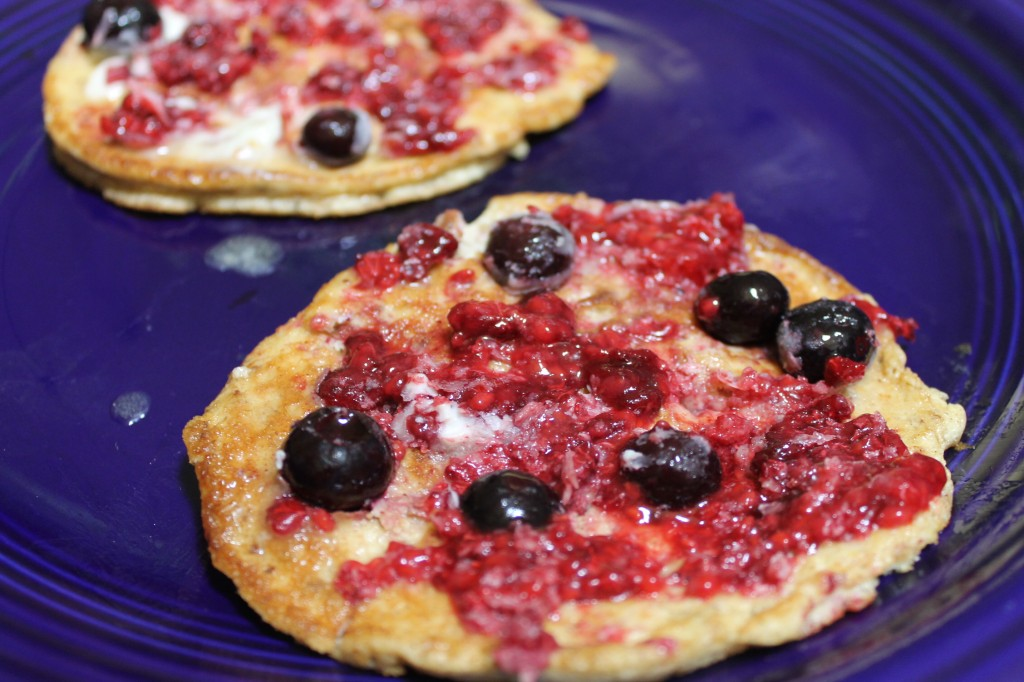 Berry-Topped-Cream-Cheese-Pancakes-1024x682